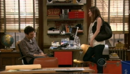 How I Met Your Mother wallpaper possibly containing a brasserie entitled Cobie's Pregnancy not well hidden