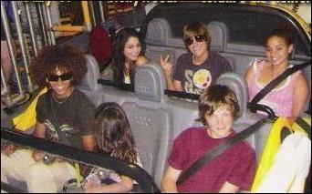 Dylan, Zac, Vanessa, Stella, Corbin and Corbins little sister