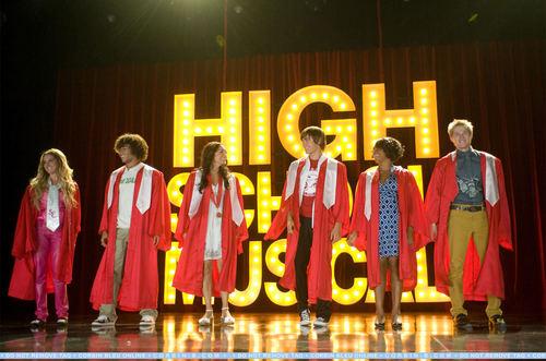 High School Musical 3 wallpaper entitled HSM3 Screencaps