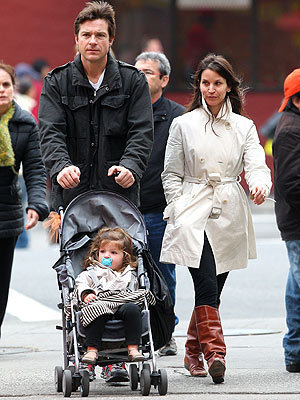 Jason Bateman 壁紙 entitled Jason and Family in NYC