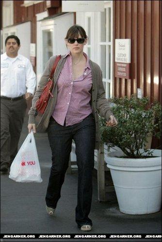 Jennifer oout in L.A.