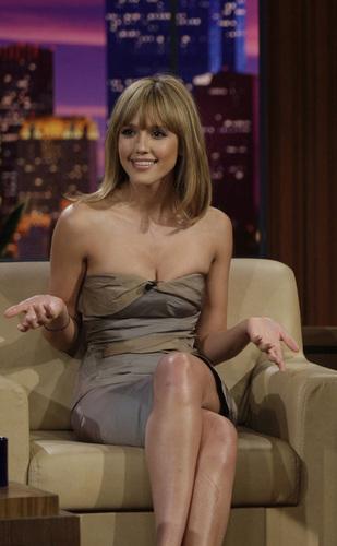 Jessica Alba on The Tonight Show with gaio, jay Leno