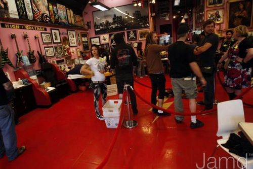 LA Ink's Kat Von D Attempts A 24 hora guinness World Tattoo Record