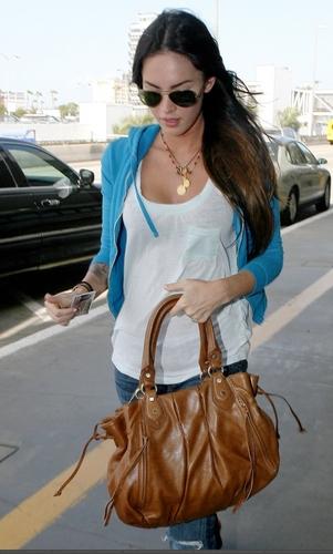 Megan At Lax Airport- 04/15/09