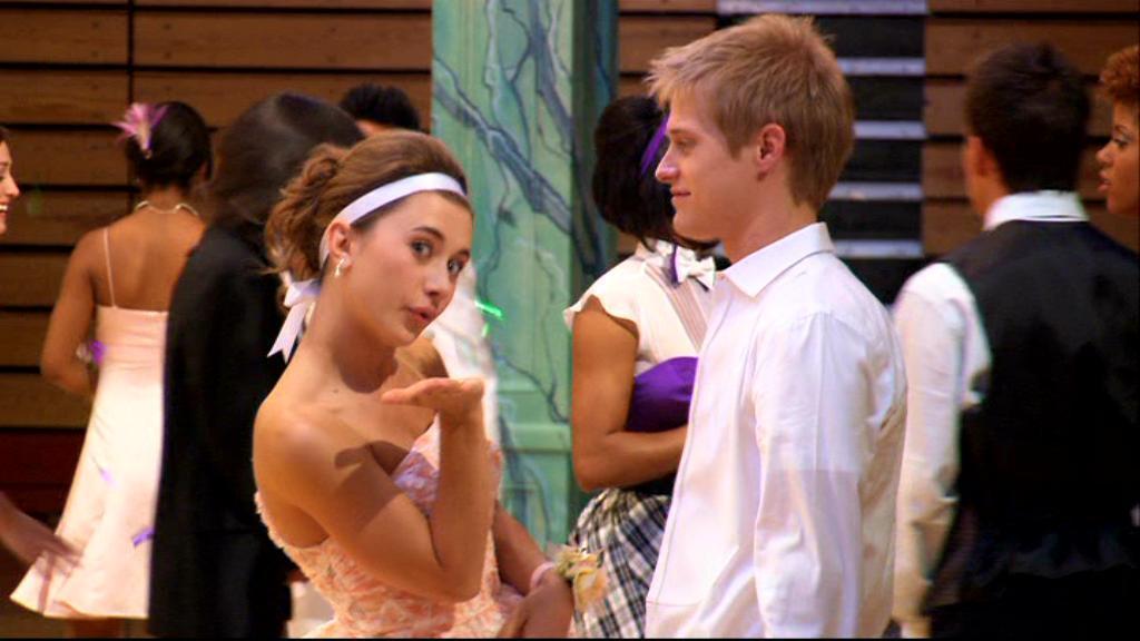 Olesya and Lucas - High School Musical 3 foto (5697475) - fanpop