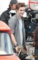 Robert behind the scenes of New Moon - twilight-series photo