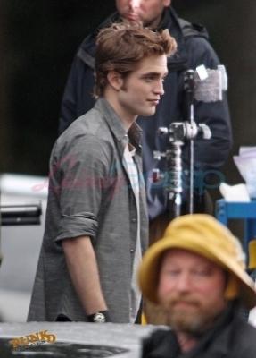 Robert behind the scenes of New Moon