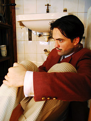 Robert in 'Little Ashes' ♥