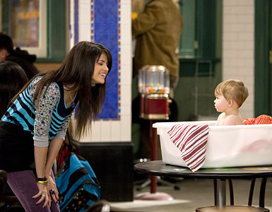 Selena on wizards with Baby Cupid