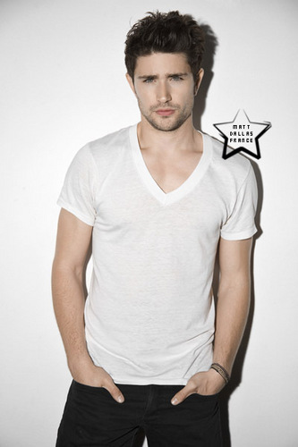 Matt Dallas Hintergrund possibly containing a jersey, a hunk, and a playsuit, spielanzug titled Tyler Shield Foto shoot