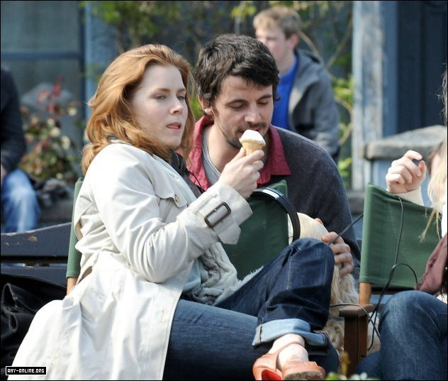"Amy Filming ""Leap Year"" - April 21, 2009"