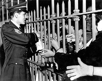 Elvis,Meeting fans