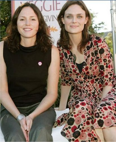 Emily and Jorja Fox Save a Turkey (PETA)
