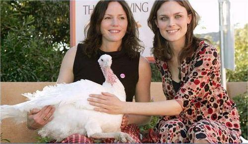 Emily and Jorja renard Save a Turkey (PETA)