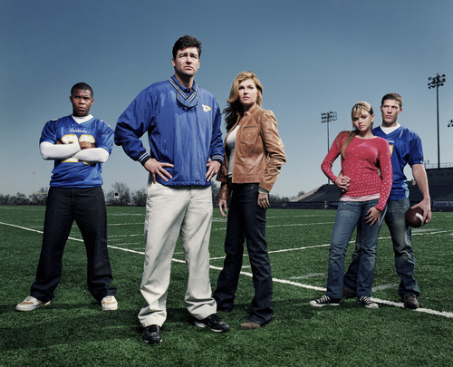 Friday Night Lights achtergrond possibly containing long trousers, a pantleg, and a rijbaan, rijbanen called FNL Cast