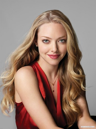 Amanda Seyfried wallpaper containing a portrait entitled Lucky Magazine