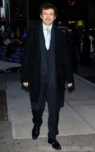 Michael Sheen outside Ed Sullivan Theatre for the 'Late onyesha With David Letterman
