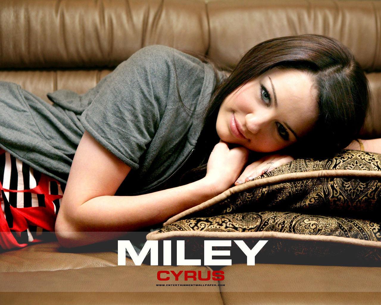 Miley - miley-cyrus wallpaper