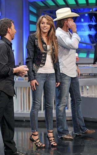 "Miley on ""El Hormiguero"""