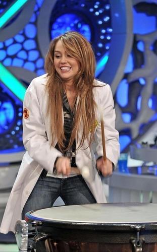 """Miley on """"El Hormiguero"""""""