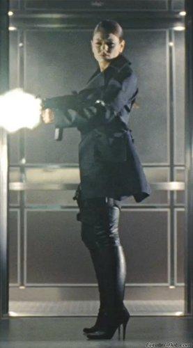 Mona - Max Payne