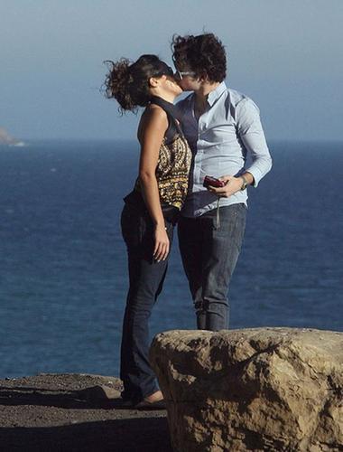 Nelena kissing