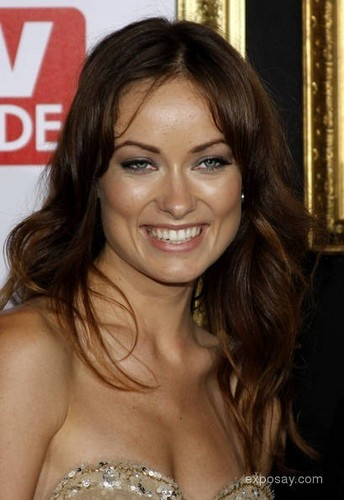 Olivia Wilde پیپر وال probably containing a portrait titled Olivia Wilde