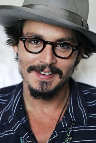 Johnny Depp wallpaper containing a fedora and a campaign hat titled Photoshoot 2005