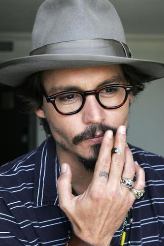 Johnny Depp wallpaper containing a fedora titled Photoshoot 2005