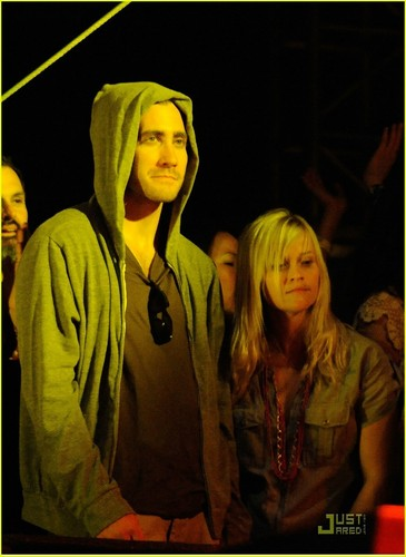 Reese and Jake during the Jenny Lewis performance at the 2009 Coachella musik Festival (April 18)