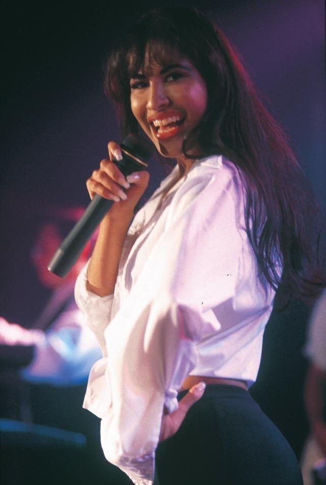 the music career and achievements of tejani music queen selena quintinilla perez Selena gomez essay examples the music career and achievements of tejani music tejano music queen selena quintinilla perez was the.