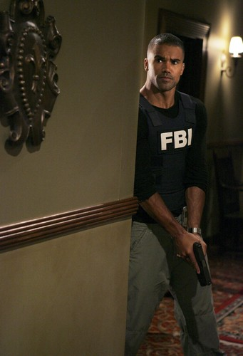 Shemar Moore 壁紙 probably with a sign titled Shemar Moore