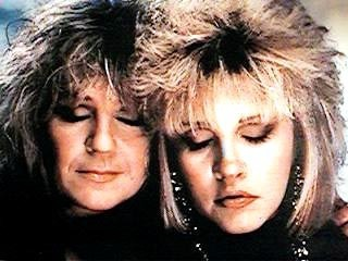 Stevie Nicks پیپر وال possibly containing a portrait entitled Stevie and Christine McVie