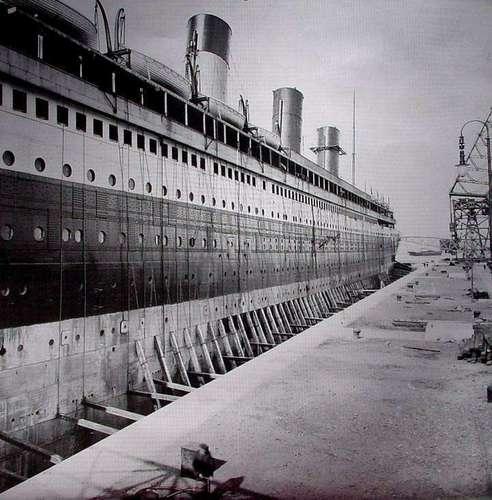 R.M.S. Titanic wallpaper called Titanic