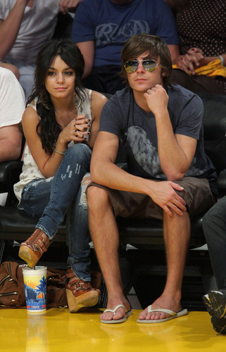 Zac and Vanessa at the Lakers game