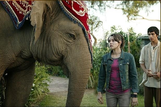 alex meets anala - the-elephant-princess photo