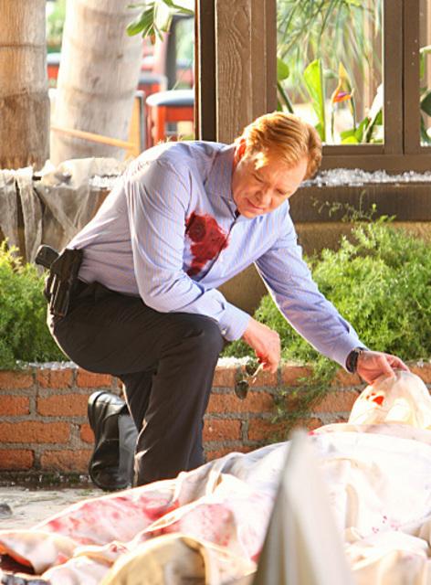 """CSI: Miami - 7x23 - """"Collateral Damage"""""""