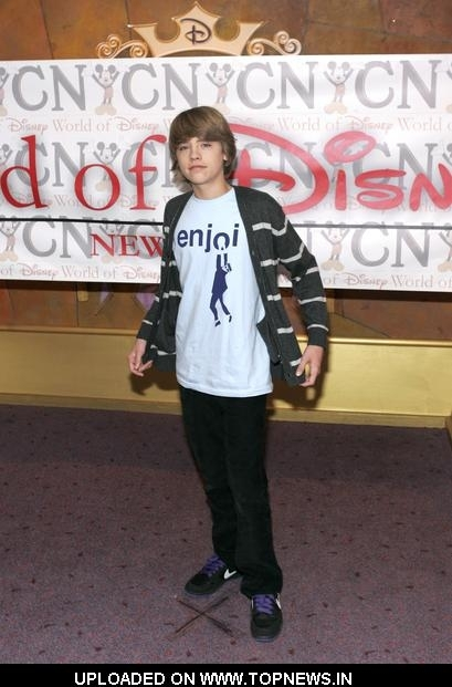 http://images2.fanpop.com/images/photos/5800000/Cole-Sprouse-cole-sprouse-5844374-409-621.jpg