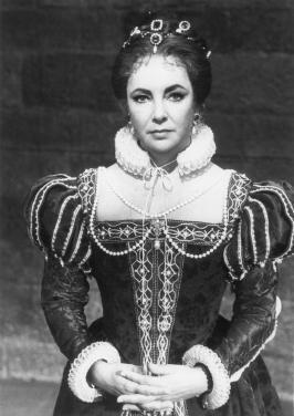 Elizabeth Taylor karatasi la kupamba ukuta probably with a surcoat titled Elizabeth Taylor as Mary Queen of Scots