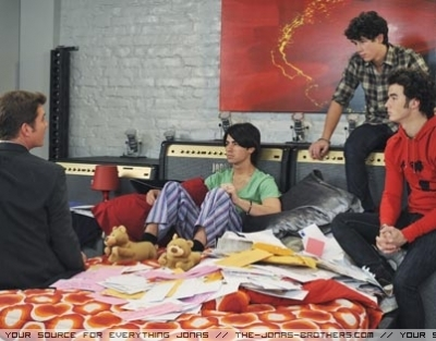 The Jonas Brothers wallpaper titled JONAS Season 1 Promo Stills