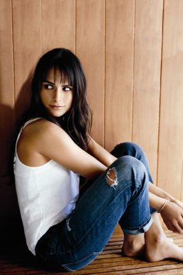 Jordana Brewster kertas dinding possibly containing a hip boot and a pantleg called Jordana