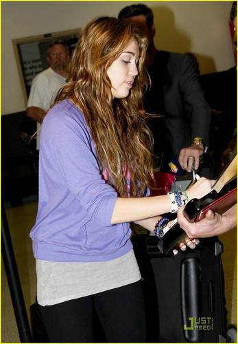 Miley @ LAX