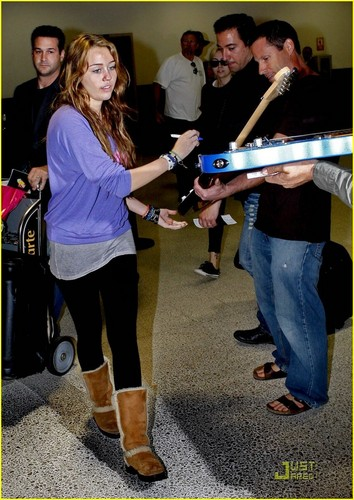 Miley @ LAX