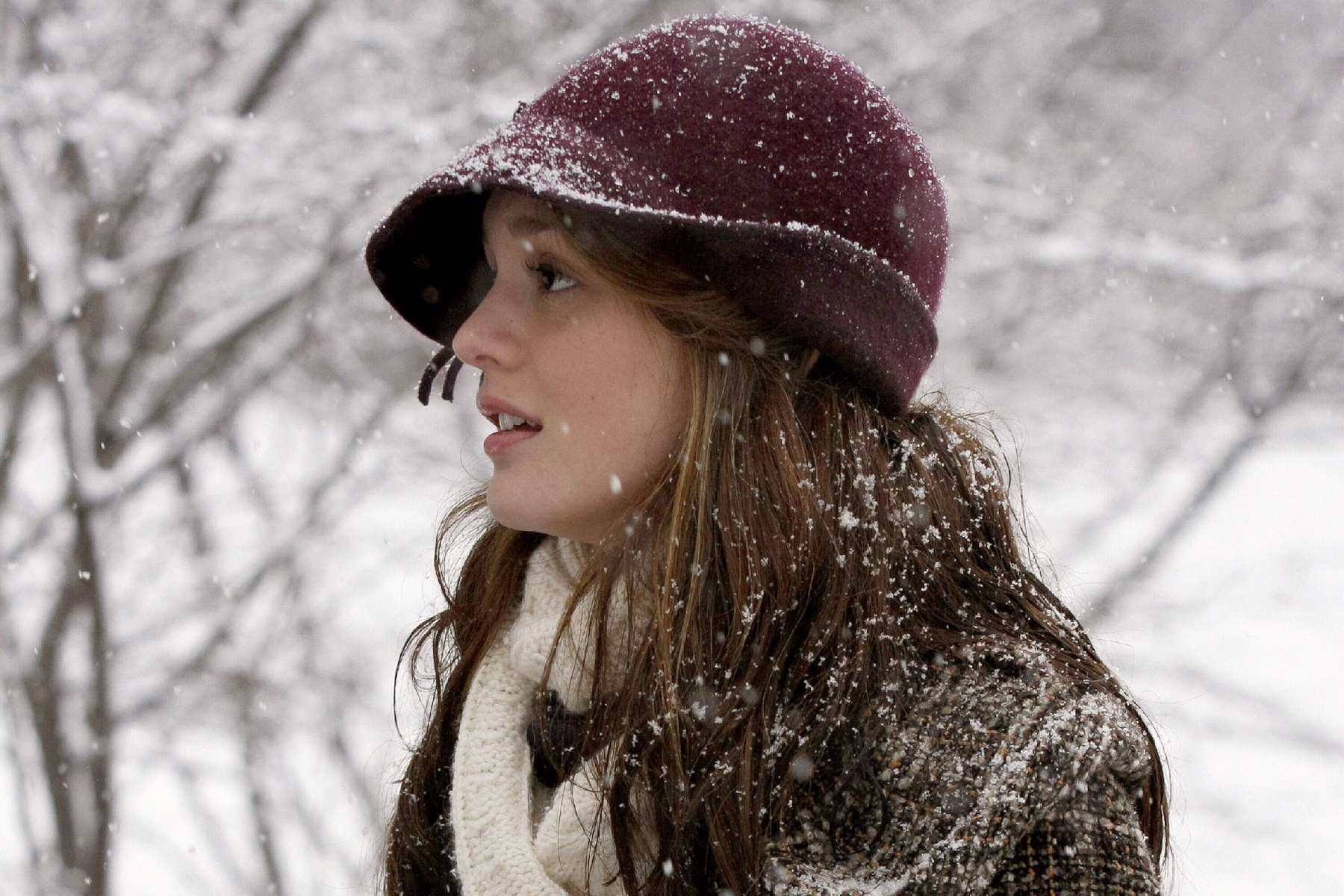 girl snow pictures