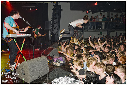 The Wombats Crowd Surfing!