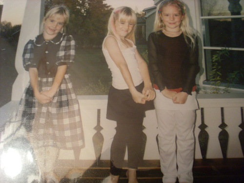 little anna, lisa and sister lina