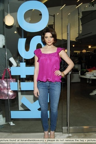 2009 Spring/Summer Collection Launch Party