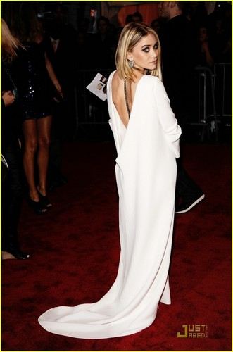 Ashley Olsen - 2009 MET Costume Gala