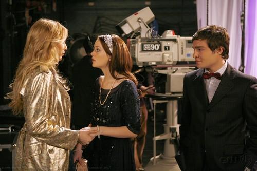 Blair and Chuck Stills Season 1