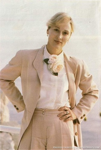 http://images2.fanpop.com/images/photos/5900000/Cannes-1989-sighting-meryl-streep-5964763-335-500.jpg
